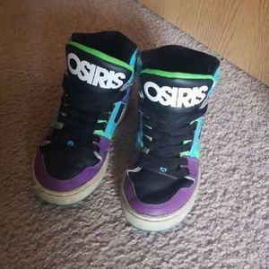 2bdffa26284f Osiris high tops   Must go!